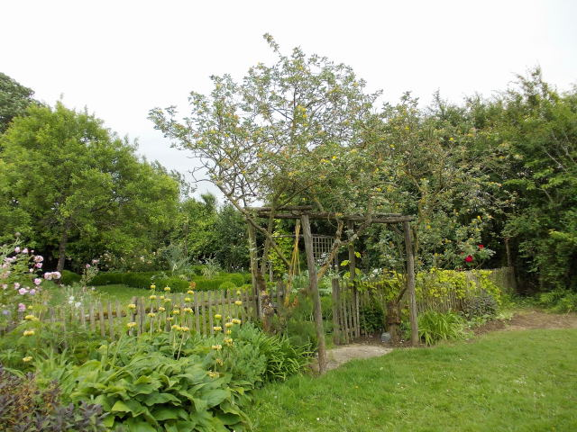 le jardin des rosiers (86) Dscn8452