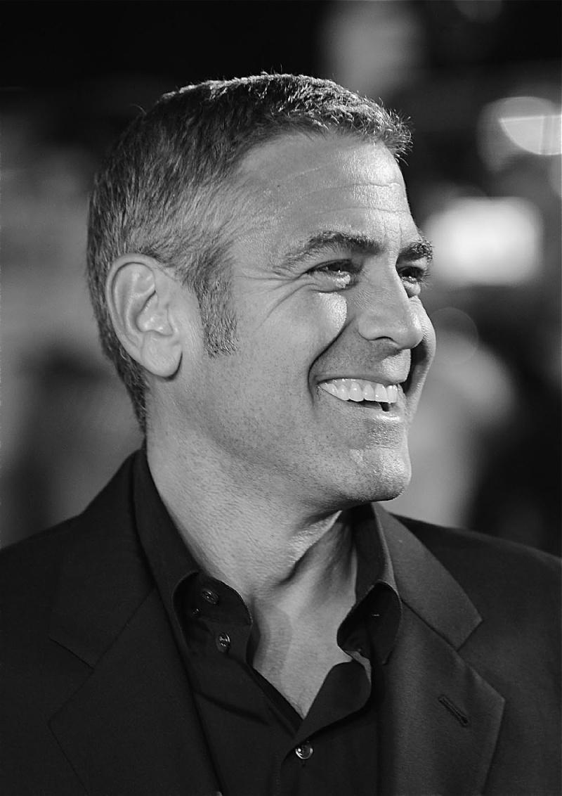 George Clooney George Clooney George Clooney! - Page 3 London10