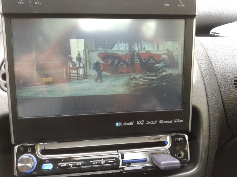 Visionnage de Films sur autoradio 1 Din (écran motorisé) 20130512