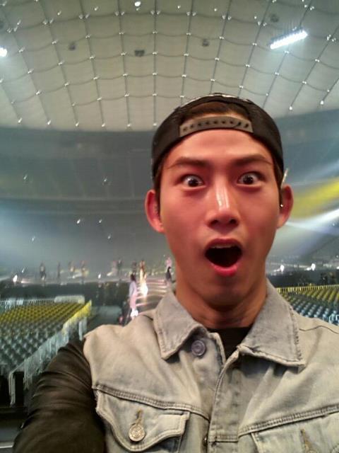 [27.04.13] [PICS-HUMOUR] La face cachée des 2PM 55420110