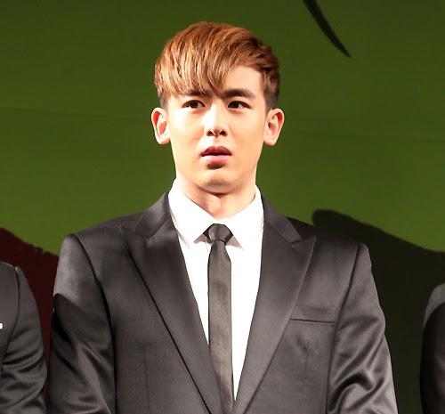 [27.04.13] [PICS-HUMOUR] La face cachée des 2PM Nichkh10