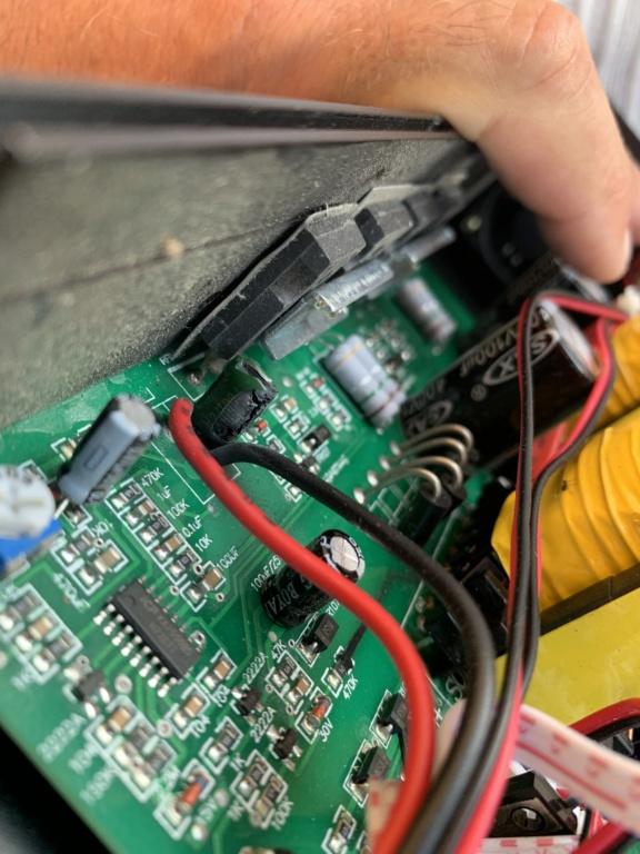 Cherche réparateur en électronique  E0d86b10