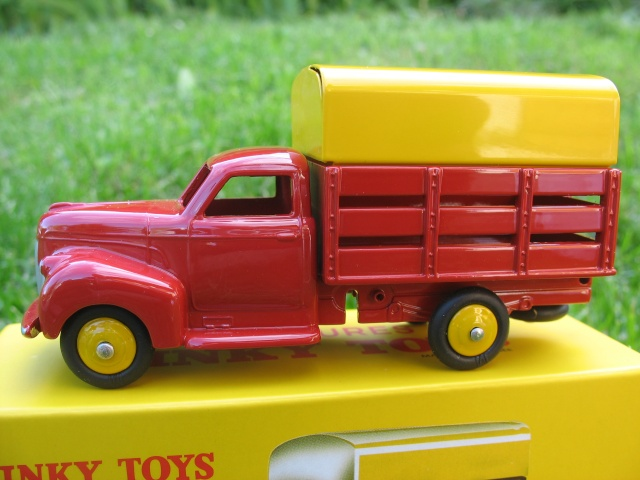 """Suite collection Dinky-Toys, le Studebaker """" Tapissière """" Dinky_11"""
