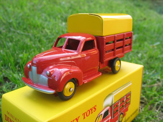 """Suite collection Dinky-Toys, le Studebaker """" Tapissière """" Dinky_12"""