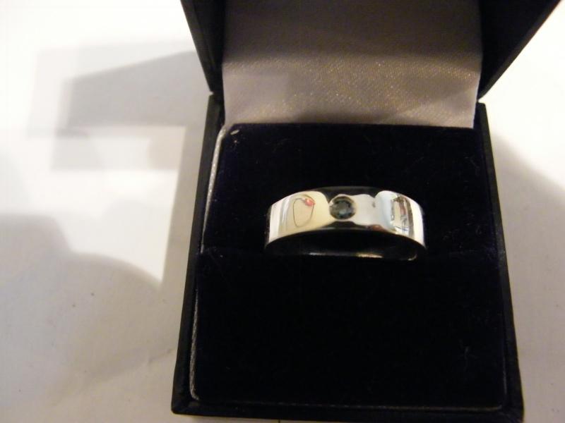 Jonc en argent avec diamant bleu  Dscf5010