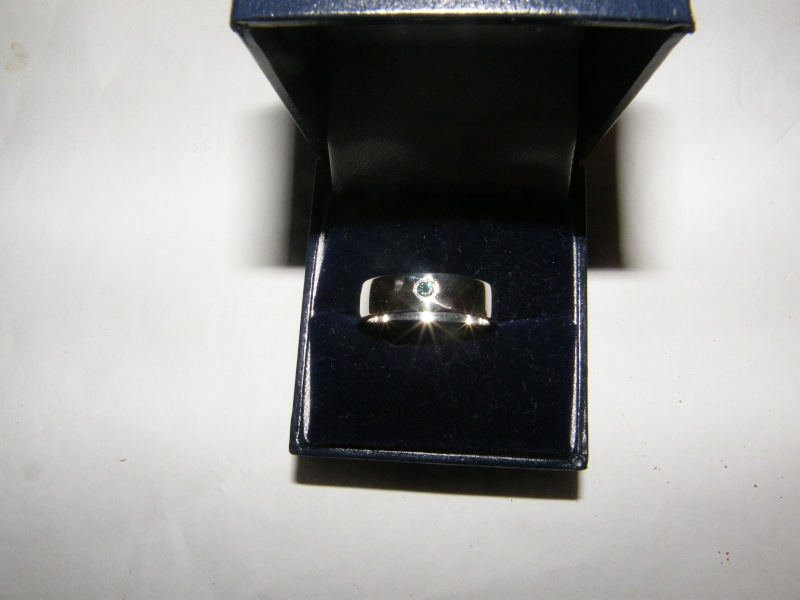 Jonc en argent avec diamant bleu  Dscf5011