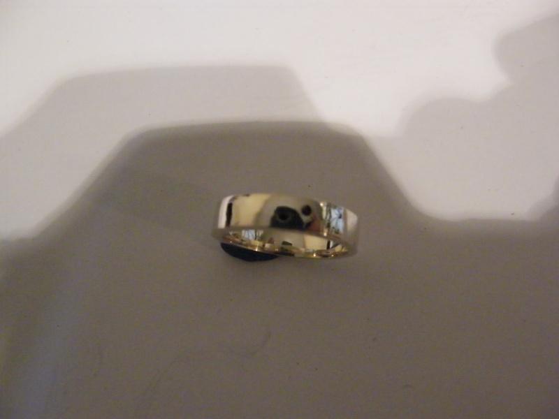 Jonc en argent  avec 2 mini diamant noir  Dscf5017