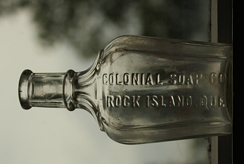 Colonial soap co. Rock Island Que. Coloni10