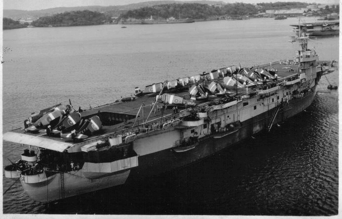 Petite histroire des porte-avions d'escorte - 1915-1945 - Page 9 03035010