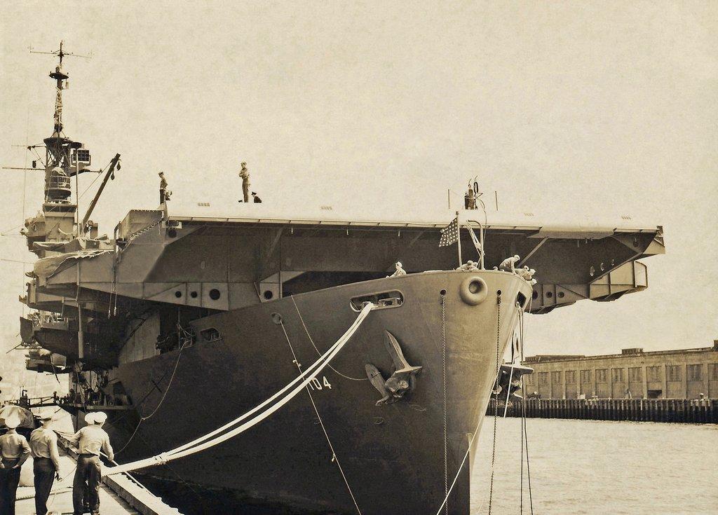 Petite histroire des porte-avions d'escorte - 1915-1945 - Page 13 03104011