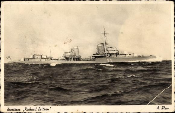 Importantes batailles navales en 1939-1945 - Page 5 10223510