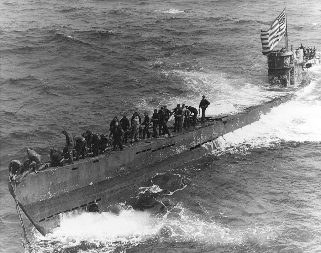 Petite histroire des porte-avions d'escorte - 1915-1945 - Page 13 1024px15
