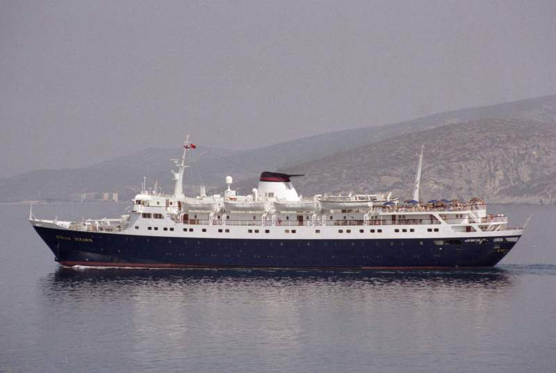 Qui peut m'identifier ce bateau - Page 5 12530410