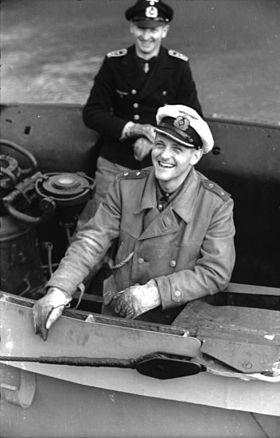 Les U-Boote, sous-marins de la Kriegsmarine - Page 4 280px-12