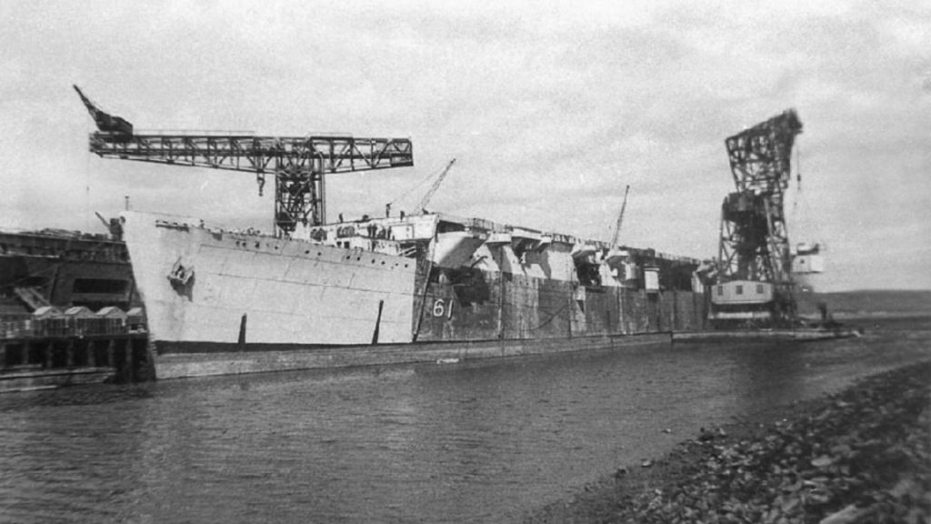 Petite histroire des porte-avions d'escorte - 1915-1945 - Page 10 28619112