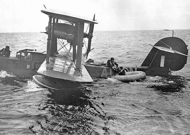 Petite histroire des porte-avions d'escorte - 1915-1945 - Page 11 3-bn-a10