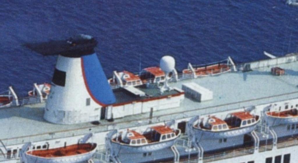 Qui peut m'identifier ce bateau - Page 3 310