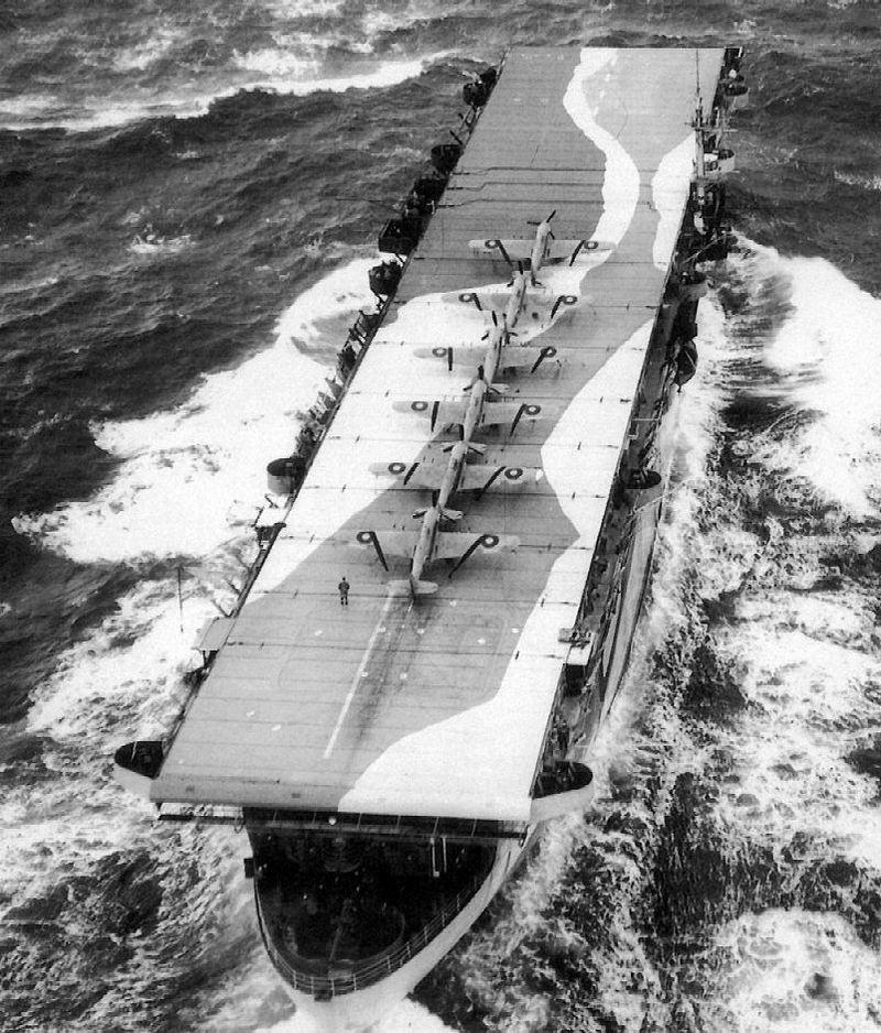 Petite histroire des porte-avions d'escorte - 1915-1945 - Page 7 800px-11