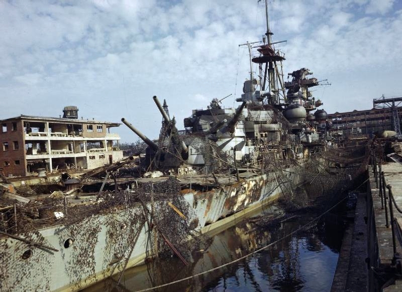 Importantes batailles navales en 1939-1945 - Page 3 Admira11