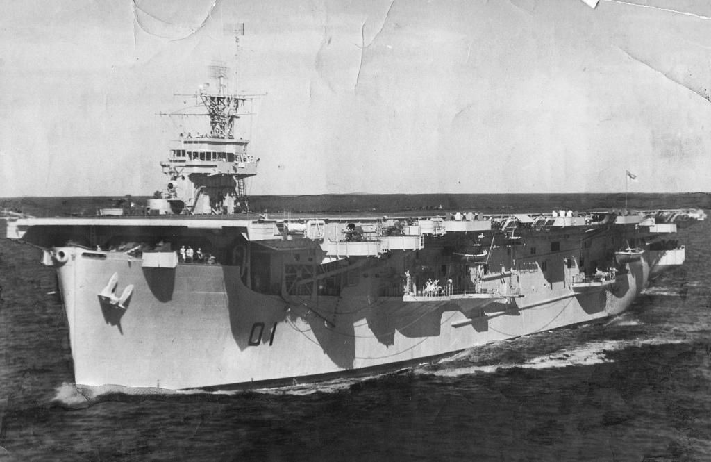 Petite histroire des porte-avions d'escorte - 1915-1945 - Page 9 Ameer_10