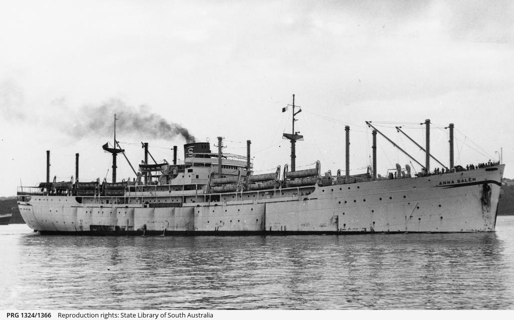 Petite histroire des porte-avions d'escorte - 1915-1945 - Page 6 Anna10