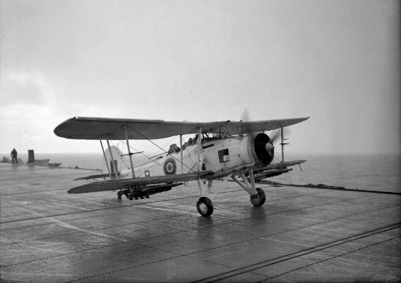 Petite histroire des porte-avions d'escorte - 1915-1945 - Page 7 Fairey10