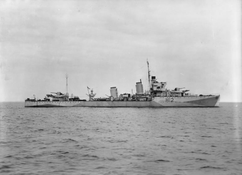 Importantes batailles navales en 1939-1945 - Page 4 Hms_ac11