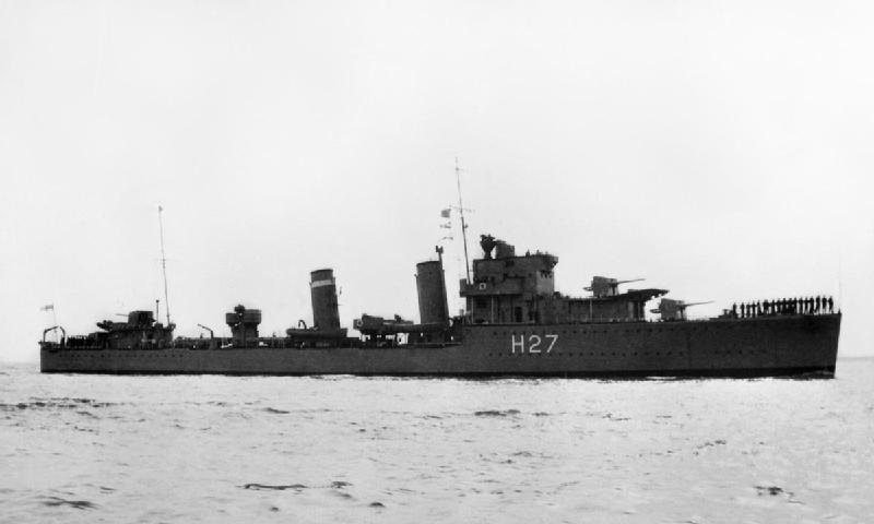 Importantes batailles navales en 1939-1945 - Page 4 Hms_el10