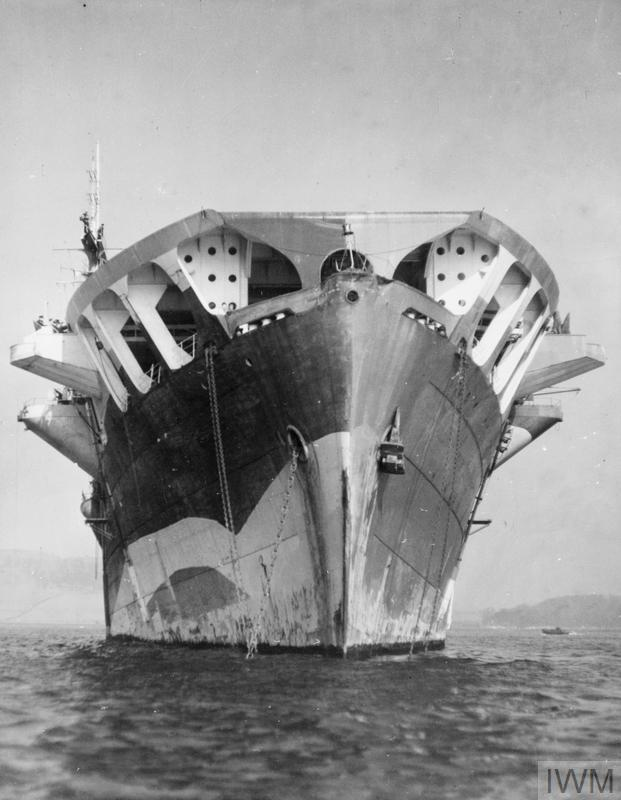 Petite histroire des porte-avions d'escorte - 1915-1945 - Page 9 Large_11