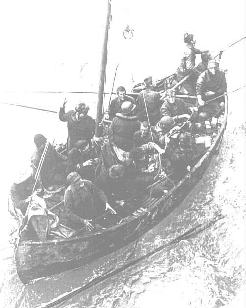 Petite histroire des porte-avions d'escorte - 1915-1945 - Page 11 Lboat10