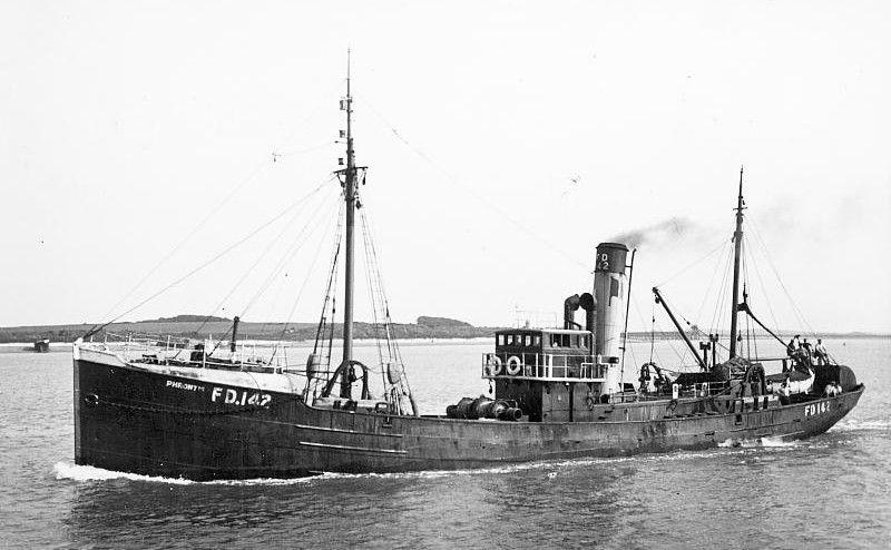 Le HMS Phrontis (FD142)  Phront10