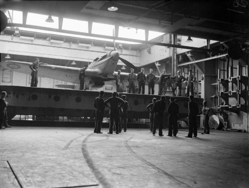 Petite histroire des porte-avions d'escorte - 1915-1945 - Page 7 Sea_hu10