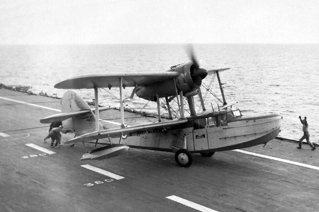 Petite histroire des porte-avions d'escorte - 1915-1945 - Page 11 Sea_ot10