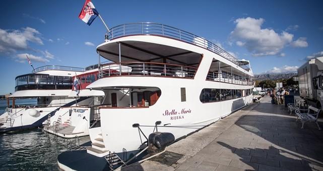 Qui peut m'identifier ce bateau - Page 7 Stella20