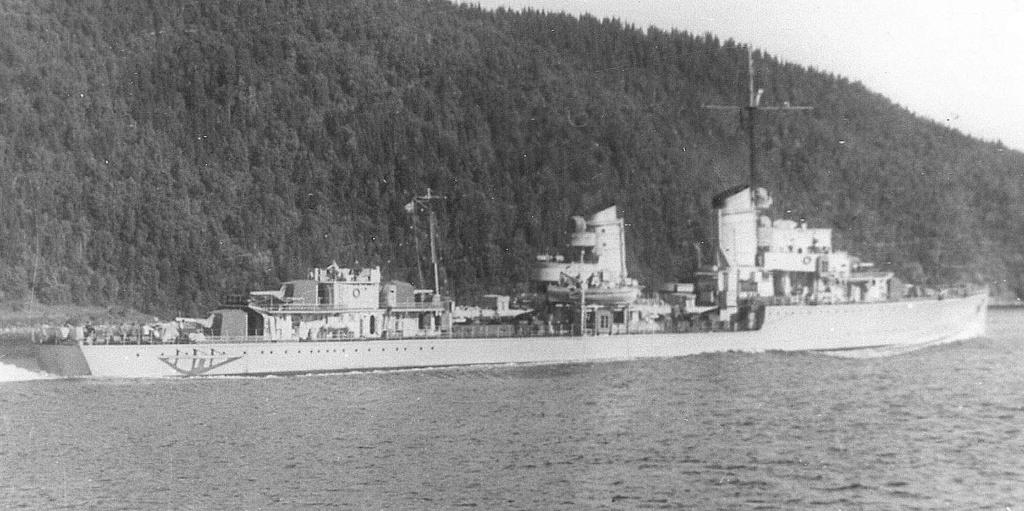 Importantes batailles navales en 1939-1945 - Page 5 Z16_4210