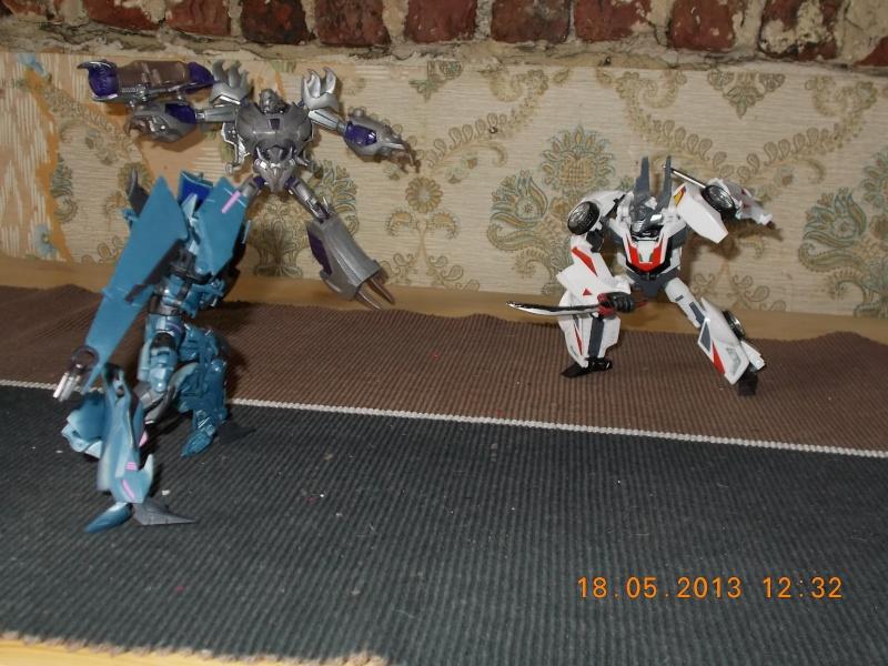 Guerres Transformers! Montrez-moi vos batailles et guerres épiques en photo ici. - Page 3 Mama_011