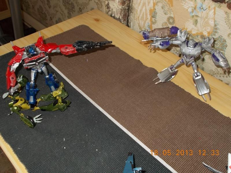 Guerres Transformers! Montrez-moi vos batailles et guerres épiques en photo ici. - Page 3 Mama_012