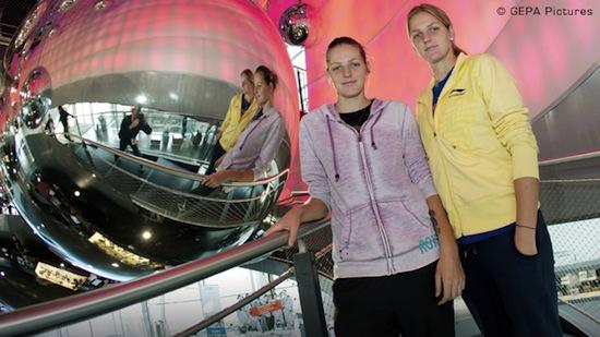 WTA EASTBOURNE 2013 : infos, photos et vidéos Soeurs10