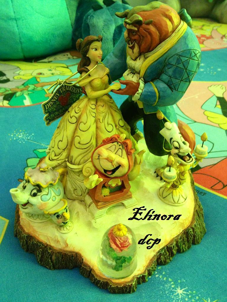 Disney Traditions by Jim Shore - Enesco (depuis 2006) - Page 3 Belle10