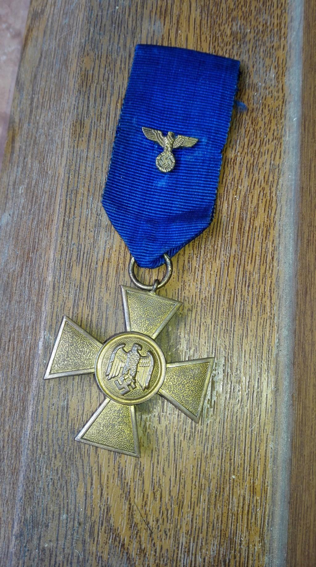 authentification pour cette medaille en vente sur le forum Medail15