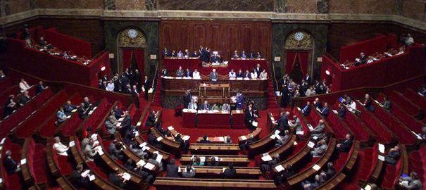 Le Sénat a adopté dans la nuit de samedi à dimanche le projet de loi sur l'emploi 95512_10