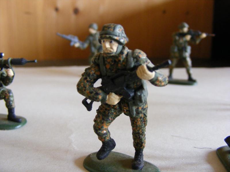 Satz BW-Soldaten 1:35 von Revell Dscf1011