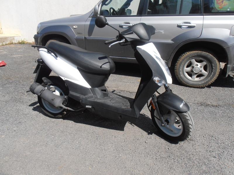 Scooter 125 état neuf 04911