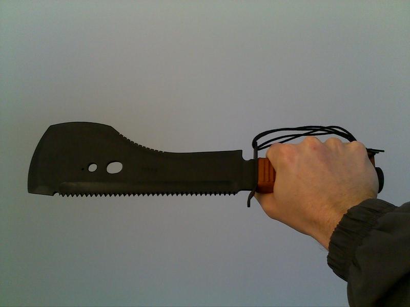 intérêt d'une machette en bushcraft/randonnée. 14042010
