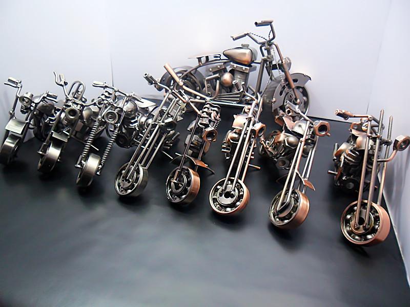 salut à tous les fans de moto Collec11