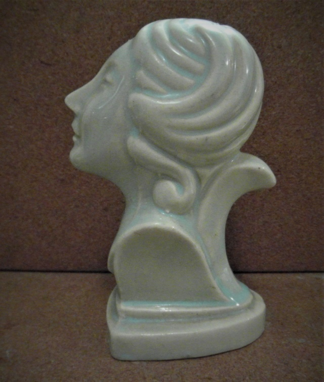 Art Deco woman' bust Sam_0510