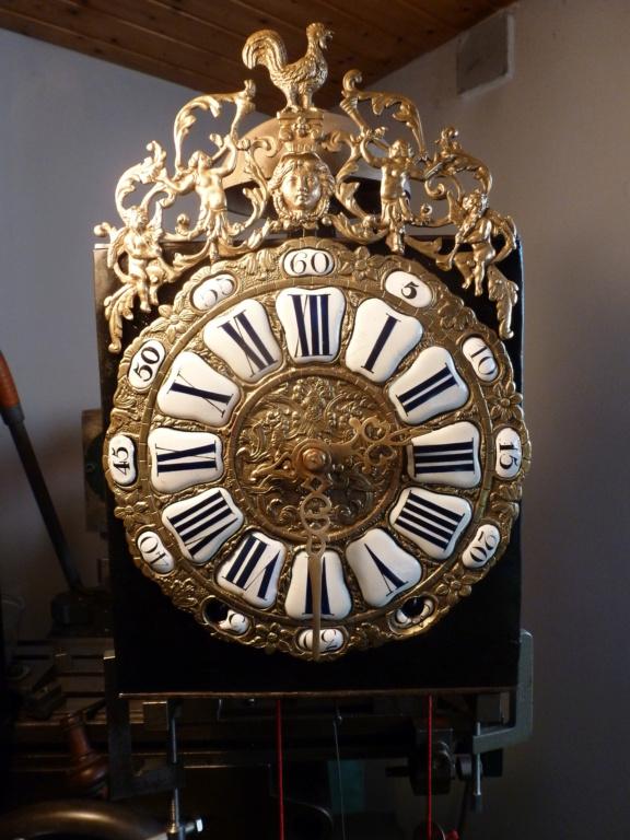 Horloge comtoise particuliére époque Régence  P1000535