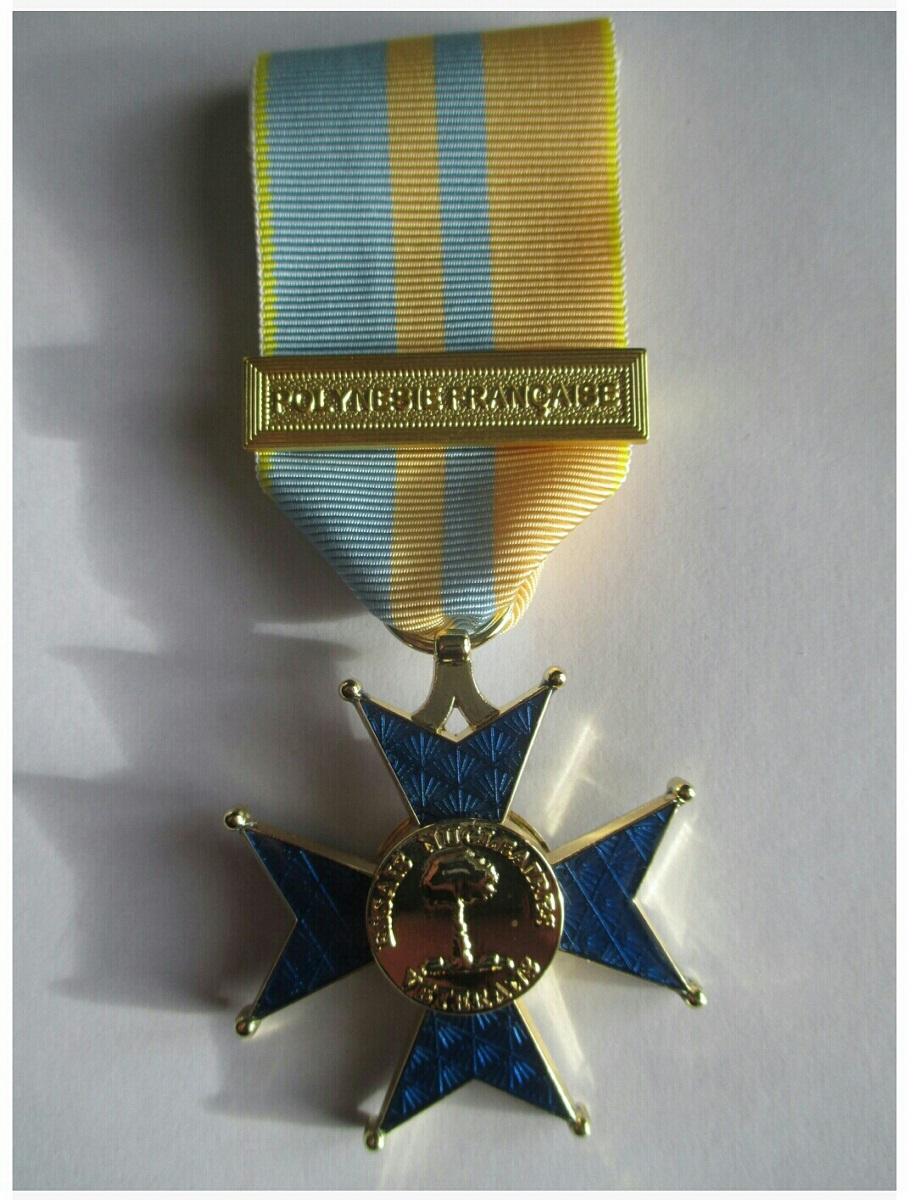Du nouveau pour les anciens Marins (hors commandos) sur la tenue lors des cérémonies patriotiques - Page 8 Essais10