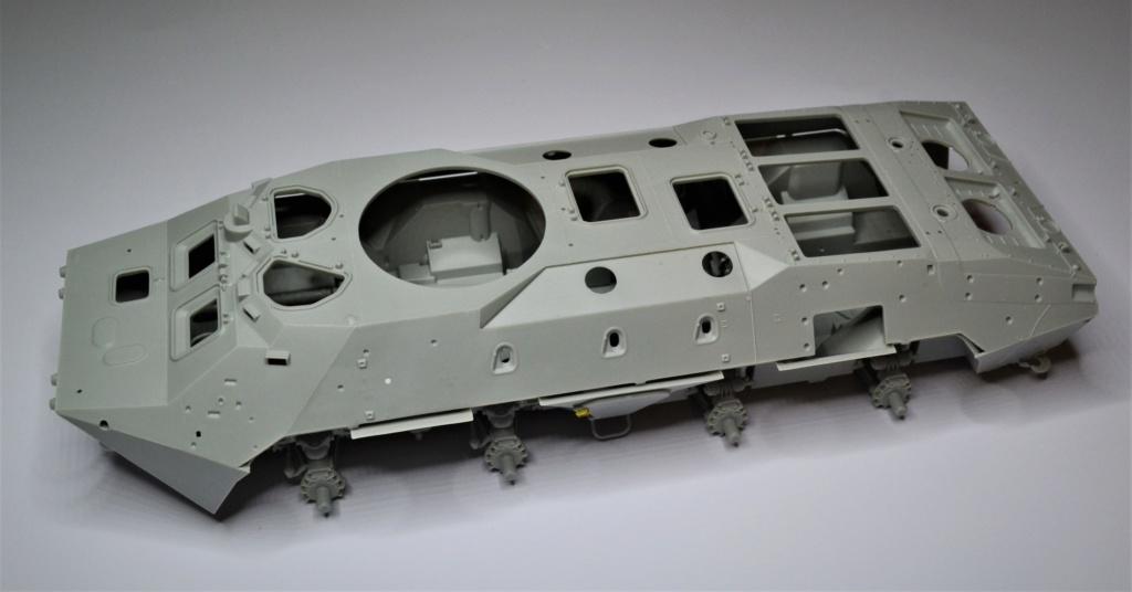 BTR 70 1/35 TRUMPETER . Dsc_0261