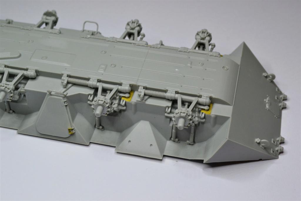 BTR 70 1/35 TRUMPETER . Dsc_0262